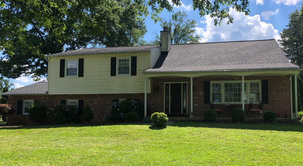 New Charcoal Black Asphalt roofing in Blue Bell Pa