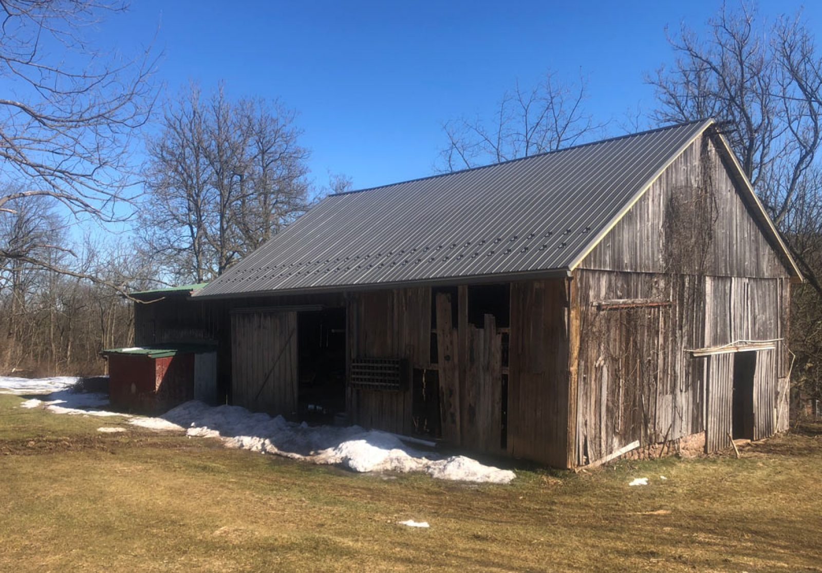 New Charcoal colored Metal Roofing Job on an old barn in Elverson, PA